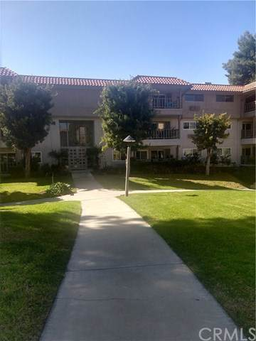2397 Via Mariposa W 3E, Laguna Woods, CA 92637 (#OC20033616) :: Z Team OC Real Estate