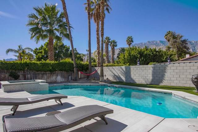 1253 Via Escuela, Palm Springs, CA 92262 (#219039040PS) :: Case Realty Group