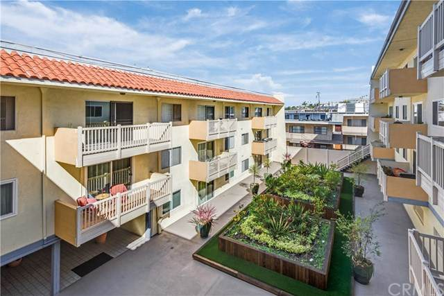 1707 Pacific Coast Hwy #408, Hermosa Beach, CA 90254 (#SB20033015) :: The Costantino Group | Cal American Homes and Realty