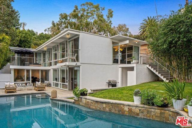 1296 Monument Street, Pacific Palisades, CA 90272 (#20554620) :: RE/MAX Masters