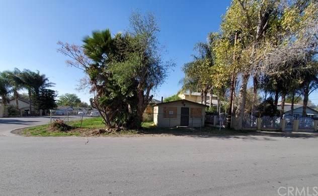 3487 Daly Avenue, Jurupa Valley, CA 92509 (#IG20034165) :: The Brad Korb Real Estate Group