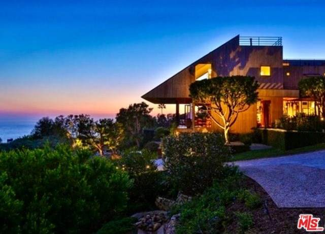 3900 Villa Costera, Malibu, CA 90265 (#20552428) :: Crudo & Associates