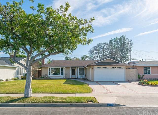 1609 Sandalwood Street, Costa Mesa, CA 92626 (#OC20034779) :: The Houston Team | Compass