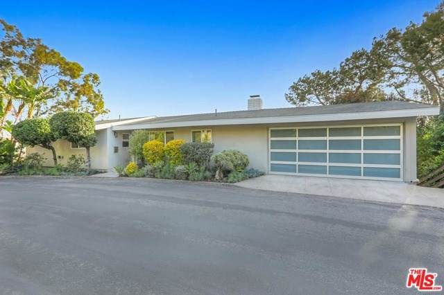 1664 Redesdale Avenue, Los Angeles (City), CA 90026 (#20553742) :: The Brad Korb Real Estate Group