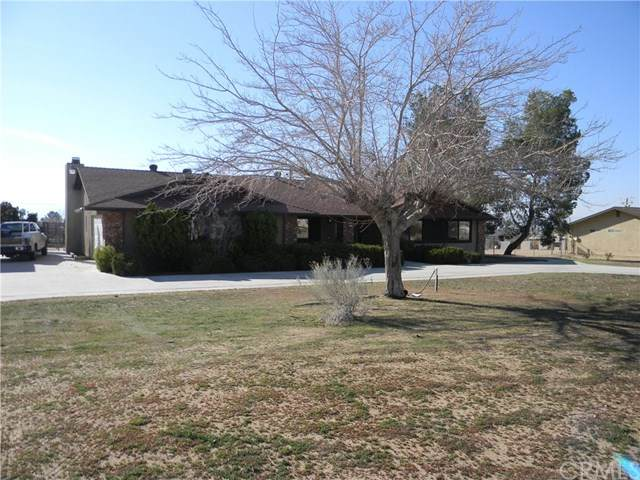 19201 Corwin Road, Apple Valley, CA 92307 (#IV20035057) :: Allison James Estates and Homes
