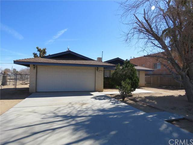 7403 Apache, Yucca Valley, CA 92284 (#JT20035341) :: The Brad Korb Real Estate Group
