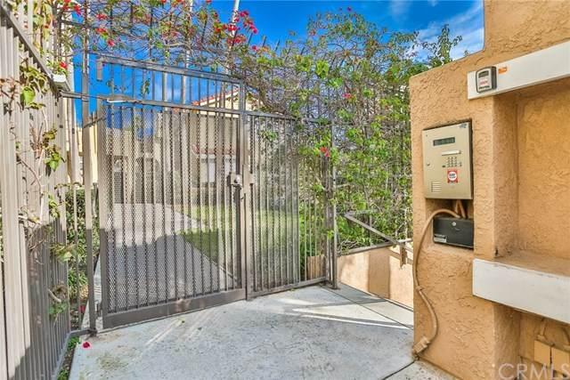 16912 Sims Lane #204, Huntington Beach, CA 92649 (#OC20035506) :: Compass Realty