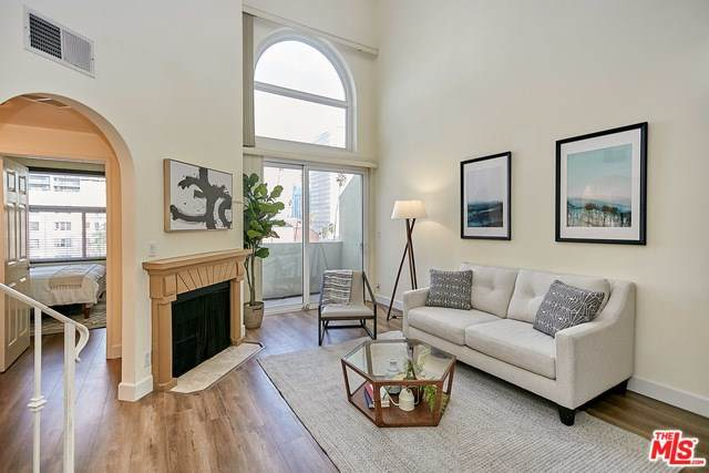 620 S Gramercy Place #433, Los Angeles (City), CA 90005 (#20555170) :: RE/MAX Masters