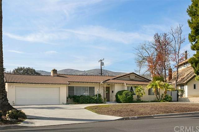 5392 Sierra Vista Avenue, Riverside, CA 92505 (#OC20035956) :: Berkshire Hathaway Home Services California Properties