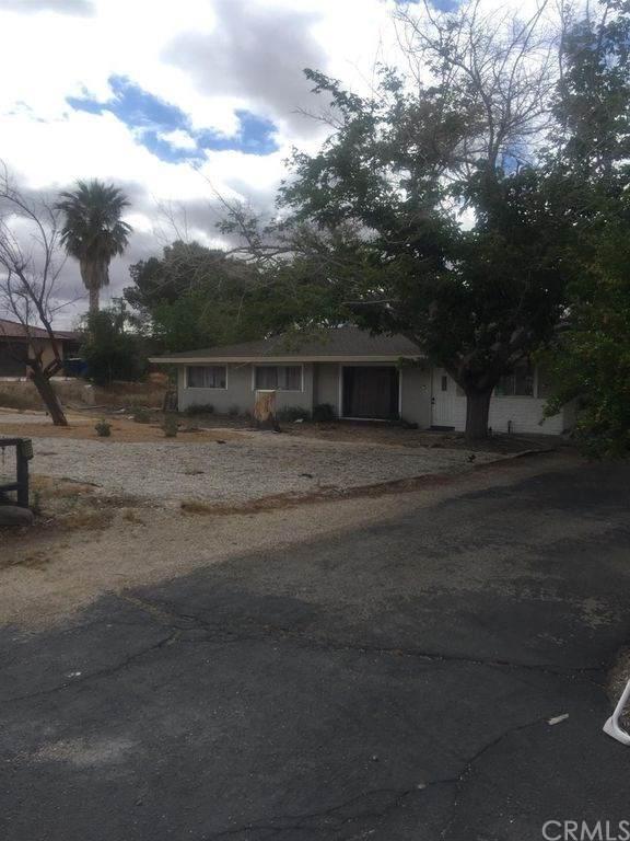 19075 Tecumseh Road, Apple Valley, CA 92307 (#PW20036082) :: Allison James Estates and Homes