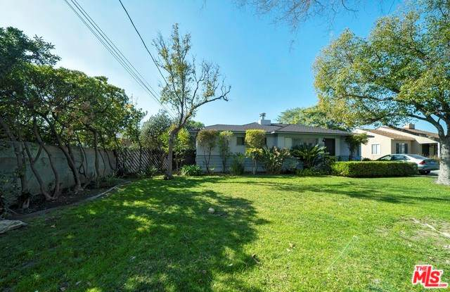 5451 Beck Avenue, North Hollywood, CA 91601 (#20555382) :: RE/MAX Masters