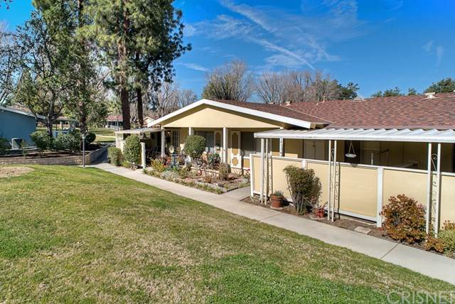 19116 Avenue Of The Oaks B, Newhall, CA 91321 (#SR20033565) :: Allison James Estates and Homes