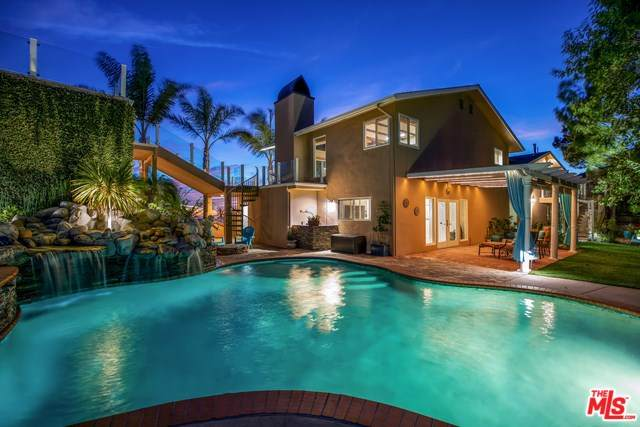 2119 Rockview Terrace, Topanga, CA 90290 (#20555466) :: The Marelly Group | Compass