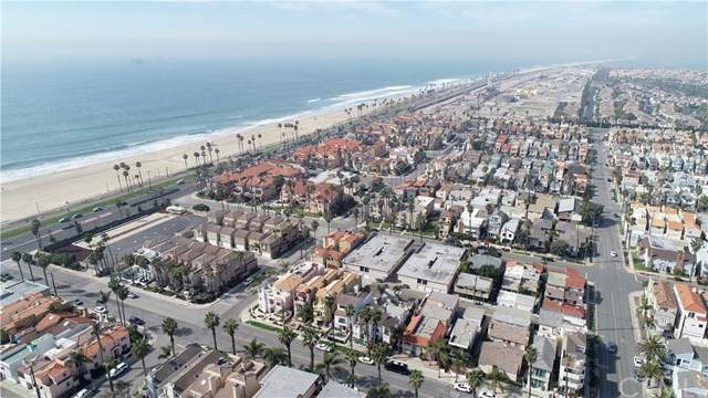 219 18th Street, Huntington Beach, CA 92648 (#OC20036367) :: Berkshire Hathaway Home Services California Properties