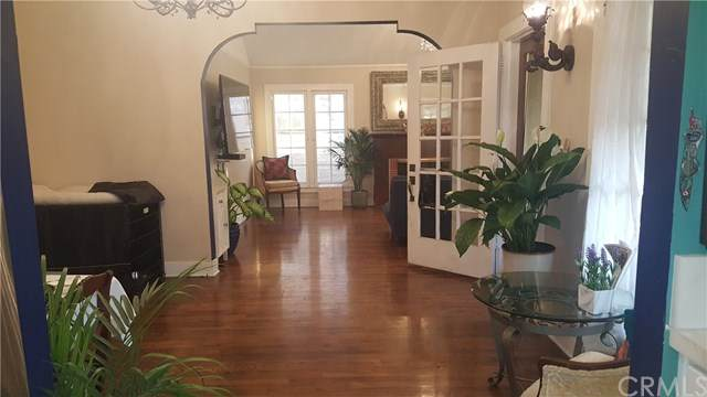 701 S Hickory Street, Santa Ana, CA 92701 (#OC20035529) :: Crudo & Associates