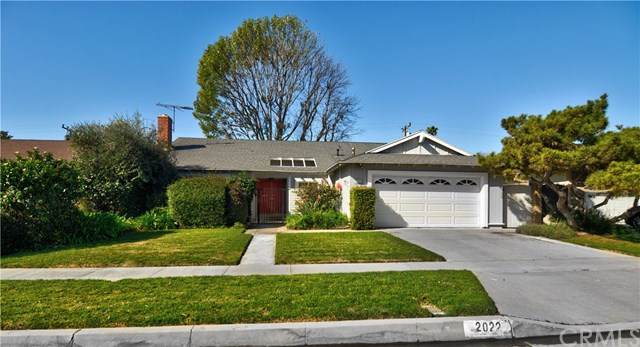 2022 N Williams Street, Santa Ana, CA 92705 (#OC20027323) :: RE/MAX Empire Properties