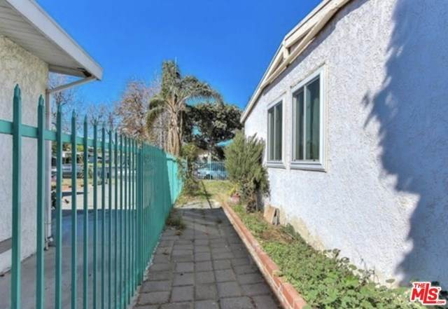 13842 W Community Street, Panorama City, CA 91402 (#20555236) :: The Brad Korb Real Estate Group