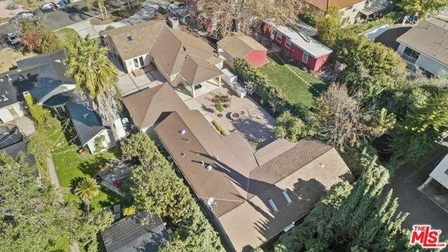 15424 Camarillo Street, Sherman Oaks, CA 91403 (#20555814) :: The Brad Korb Real Estate Group