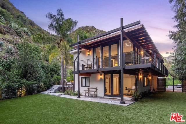 3489 Mandeville Canyon Road, Los Angeles (City), CA 90049 (#20556028) :: Veléz & Associates
