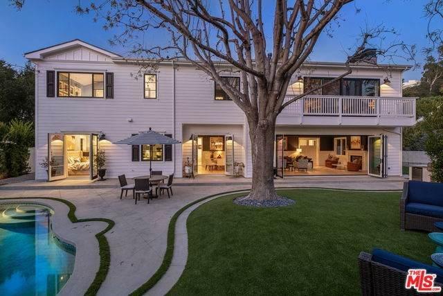868 N Norman Place, Los Angeles (City), CA 90049 (#20556274) :: Veléz & Associates