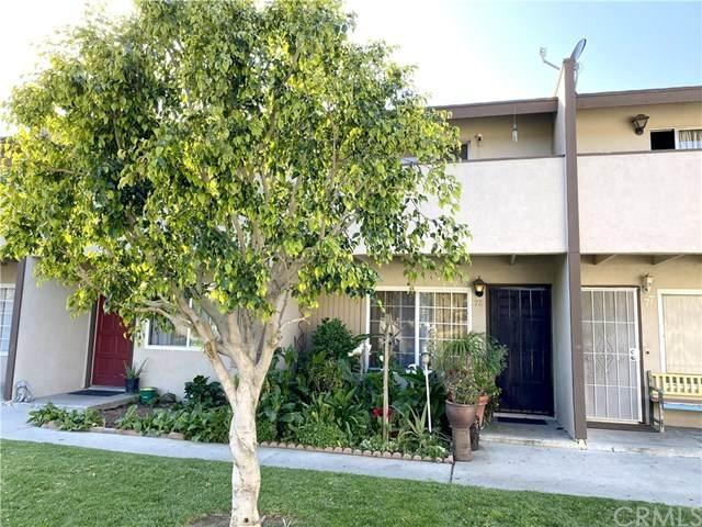 521 S Lyon Street #78, Santa Ana, CA 92701 (#PW20038251) :: Crudo & Associates