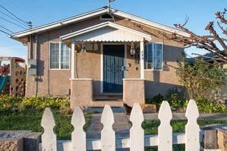 890 2nd Street, Hollister, CA 95023 (#ML81783514) :: Better Living SoCal