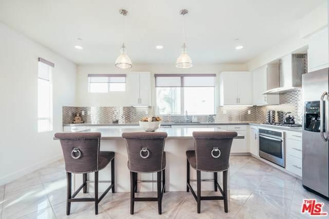 636 N Gramercy Place, Los Angeles (City), CA 90004 (#20556210) :: Z Team OC Real Estate