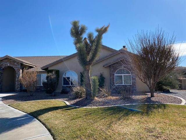 14035 Riverside Drive, Apple Valley, CA 92307 (#522372) :: Realty ONE Group Empire