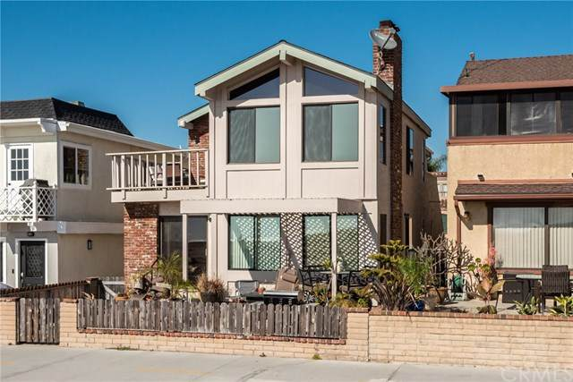 1123 E Balboa Boulevard, Newport Beach, CA 92661 (#NP20036760) :: Tyler Brown & Associates