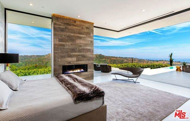 2200 Summitridge Drive, Beverly Hills, CA 90210 (#20556602) :: Veléz & Associates