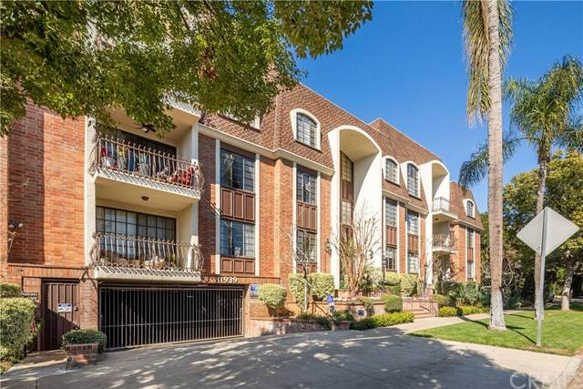 11939 Gorham Avenue #306, Brentwood, CA 90049 (#SB20037755) :: Veléz & Associates