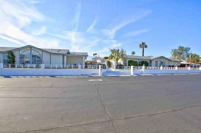 38121 Boulder Creek Drive, Palm Desert, CA 92260 (#219039439PS) :: Z Team OC Real Estate
