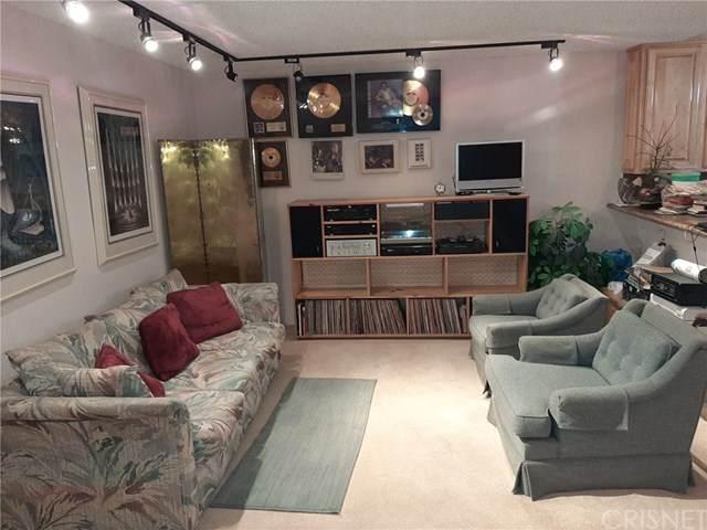 18530 Hatteras Street #208, Tarzana, CA 91356 (#SR20038929) :: Z Team OC Real Estate