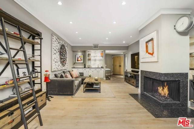 930 N Wetherly Drive #102, West Hollywood, CA 90069 (#20556330) :: The Marelly Group | Compass