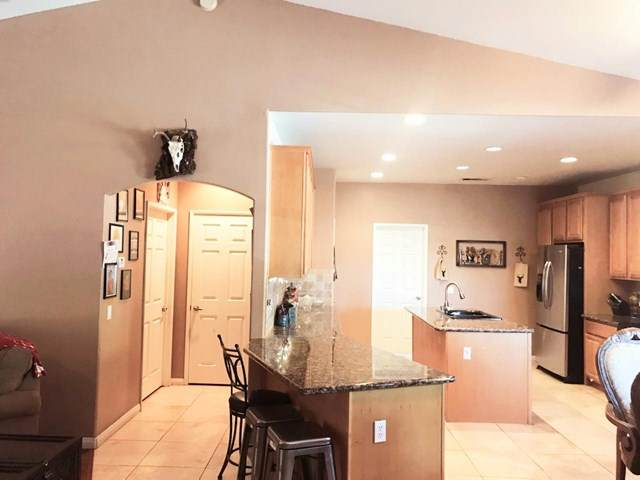 1239 Red Sea Avenue, Thermal, CA 92274 (#219039525DA) :: The Marelly Group | Compass