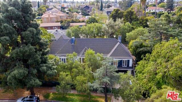3300 Country Club Drive, Los Angeles (City), CA 90019 (#20557570) :: Berkshire Hathaway HomeServices California Properties