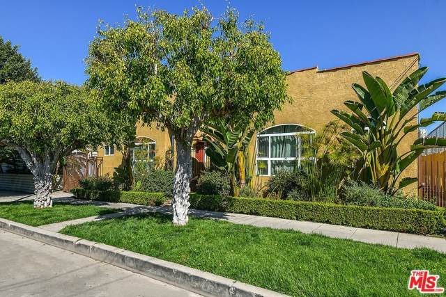 4437 Willow Brook Avenue, Los Angeles (City), CA 90029 (#20557738) :: Case Realty Group