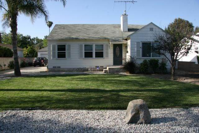 12031 Emelita Street, Valley Village, CA 91607 (#SR20041482) :: Go Gabby