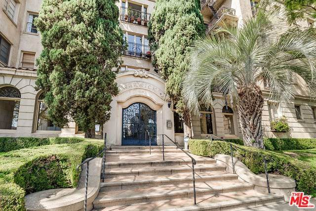 109 N Sycamore Avenue #505, Los Angeles (City), CA 90036 (#20558262) :: Berkshire Hathaway HomeServices California Properties