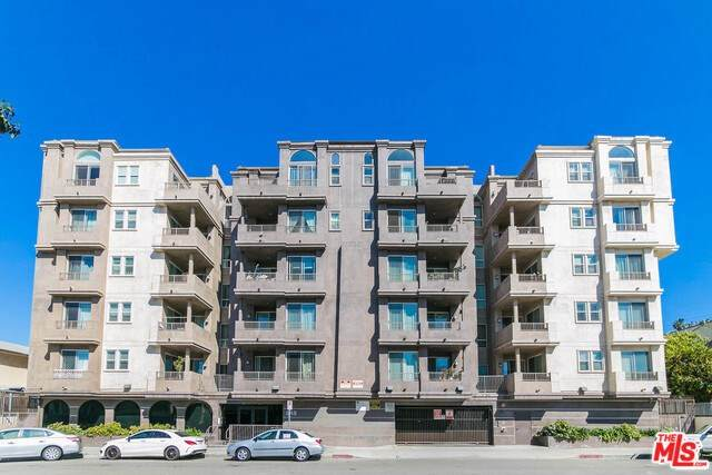 848 Irolo Street #203, Los Angeles (City), CA 90005 (#20557546) :: RE/MAX Empire Properties