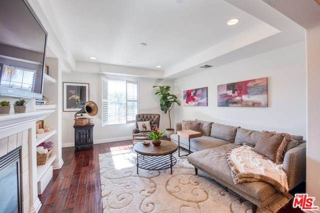 12975 Agustin Place #313, Playa Vista, CA 90094 (#20558338) :: Team Tami