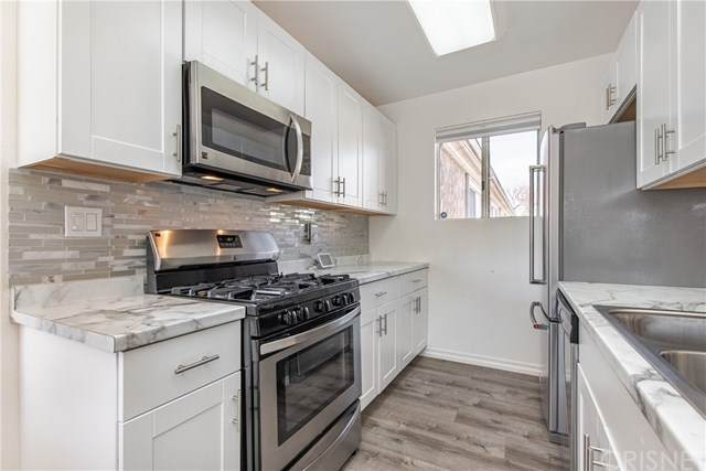 20214 Cohasset Street #17, Winnetka, CA 91306 (#SR20042734) :: Veléz & Associates
