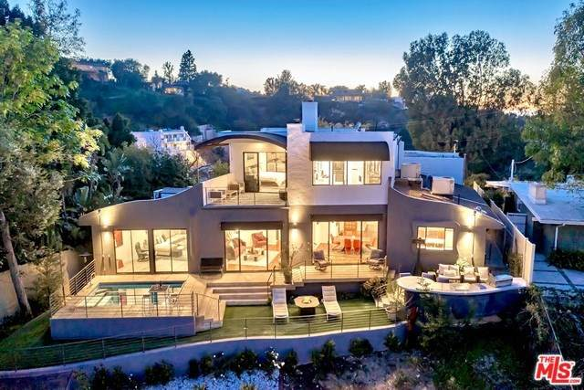 4142 Vanetta Drive, Studio City, CA 91604 (#20558154) :: Better Living SoCal