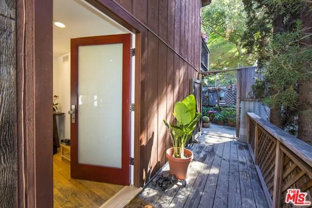 9830 Yoakum Drive, Beverly Hills, CA 90210 (#20558634) :: Veléz & Associates