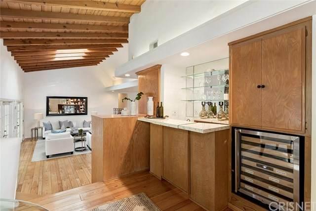 5022 Palomar Drive, Tarzana, CA 91356 (#SR20042335) :: Berkshire Hathaway HomeServices California Properties