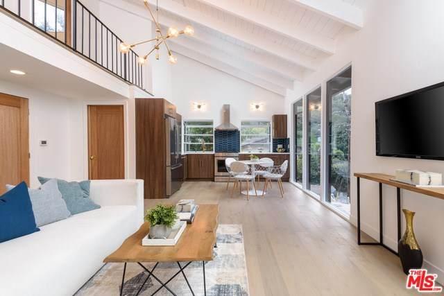 9882 Portola Drive, Beverly Hills, CA 90210 (#20557876) :: Veléz & Associates