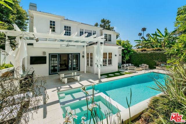 581 N Marquette Street, Pacific Palisades, CA 90272 (#20558782) :: Case Realty Group
