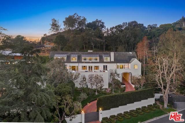 675 Macculloch Drive, Los Angeles (City), CA 90049 (#20558748) :: Veléz & Associates