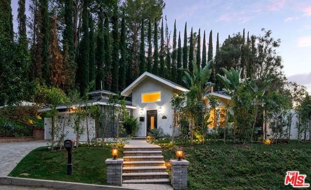 9476 Hidden Valley Place, Beverly Hills, CA 90210 (#20558318) :: Veléz & Associates