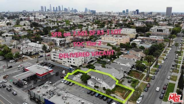 648 N Ardmore Avenue, Los Angeles (City), CA 90004 (#20558844) :: RE/MAX Empire Properties
